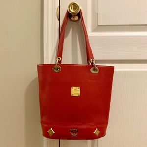 ❤️Authentic MCM Leather tote bag❤️